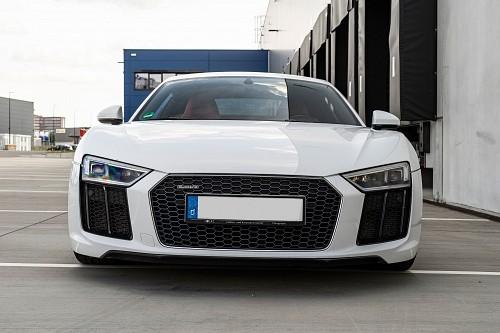 Audi R8 V10 Plus mieten - Bild 1