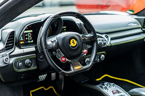 Ferrari 458 Italia - Klappenauspuff mieten - Bild 1