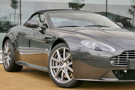 Aston Martin Vantage S V8 Roadster mieten - Bild 1
