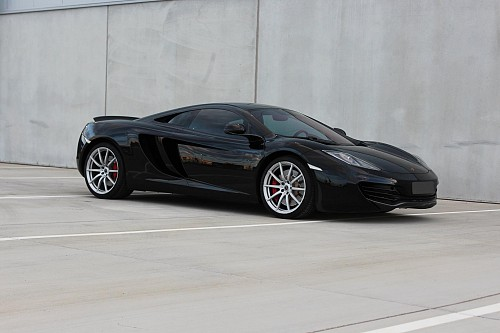 mclaren mp4 12c mieten und selbst fahren. Black Bedroom Furniture Sets. Home Design Ideas