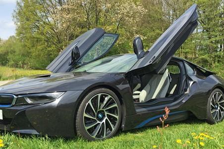 BMW i8 fahren mieten - Bild 1